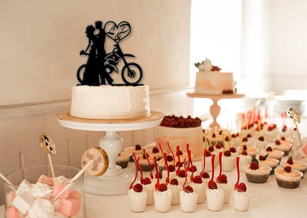 Esküvői tortadísz motocross fanoknak 1