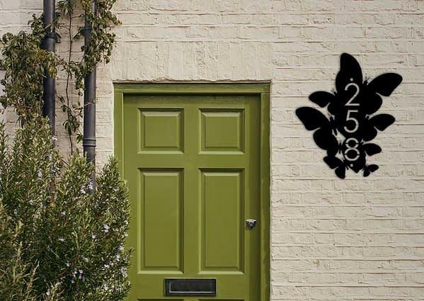 Pillangós házszám 1